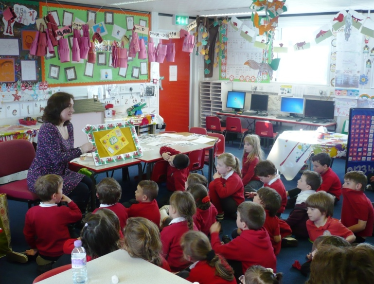 Wendy speaking to children at Ysgol-y-Castell, Kidwelly