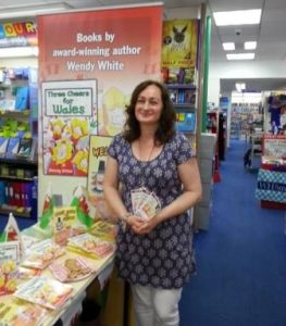 WH Smith Cardigan Wendy White